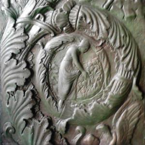 Riproduzione del bassorilievo di Proserpina del portale di Filarete