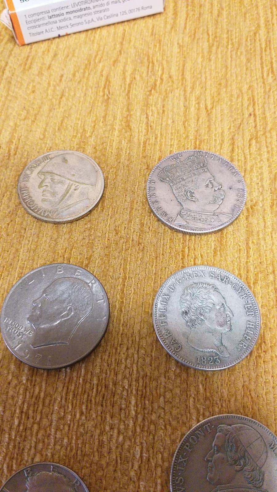 Stock monete da collezione di diverse epoche e genere